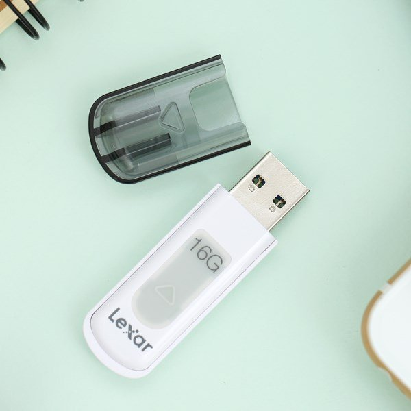 Chuẩn bị USB dung lượng lớn