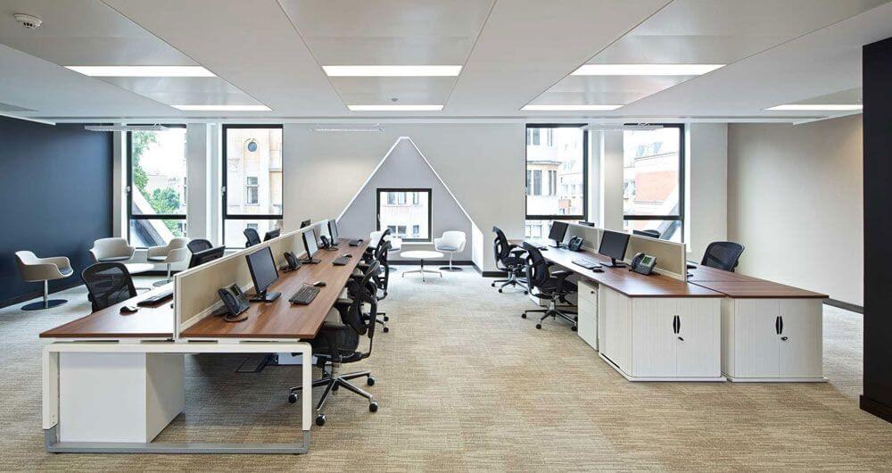 Kinh nghiệm lựa chọn địa chỉ mua bàn ghế đặt tại văn phòng chất lượng