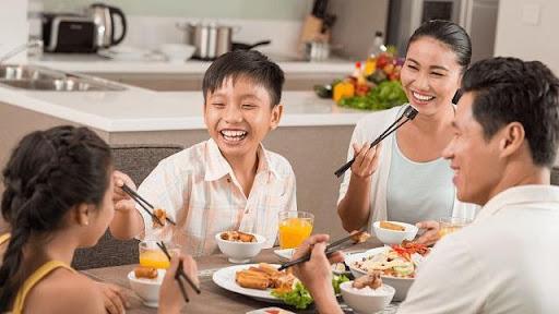 Bữa ăn gia đình là điềm báo lành cho bạn
